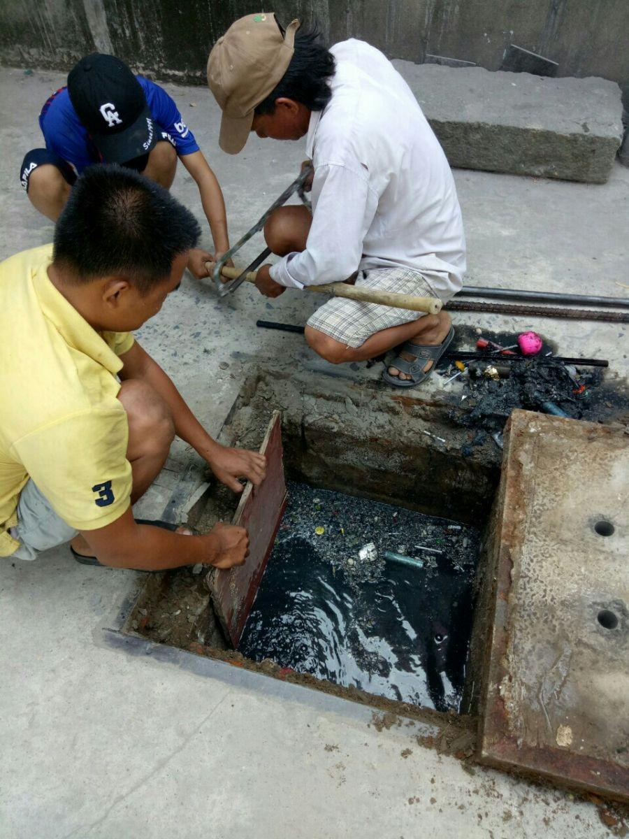 https://huthamcaugiare.com.vn/dich-vu/thong-cong-nghet-huyen-nha-be-0946600500.html